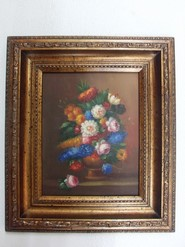 Picture Ref UN1045. Beautiful and decorative classic style wall panel manufactured with wooden frame and frame in quality resin. Dimensions 33.5 x 38.5 x 4 cm.